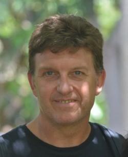 Ángel Gómez, catedrático de Psicología Social de la UNED